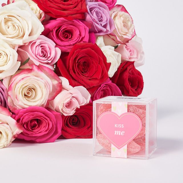 Red White And Pink Roses Bundles With Sugarfina Kiss Me Lips Candy 1